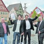 """Pfad mit kleinen Steinchen - """"Walk of Triathlon"""""""